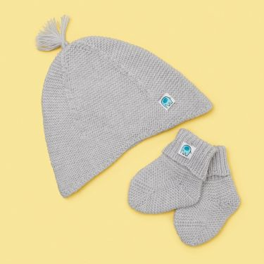 Uimi Bea Tassel Hat And Bootie Set in Merino Wool - Salt