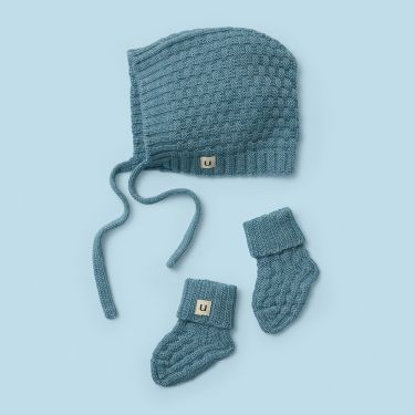 Uimi Bellamy Basket Weave Stitch Hat and Bootie Set in Merino Wool Size 00 Colour Sea