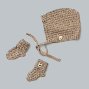 Uimi Bellamy Merino Wool Hat and Bootie Set Size 00 in Oatmeal