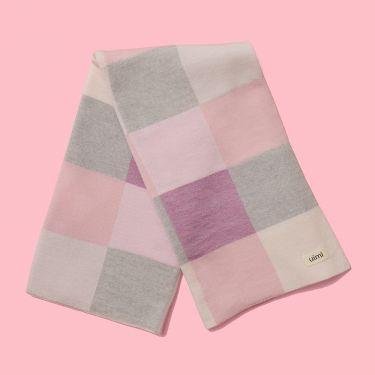 Uimi Frankie Merino Wool Baby Bassinet Blanket in Sorbet