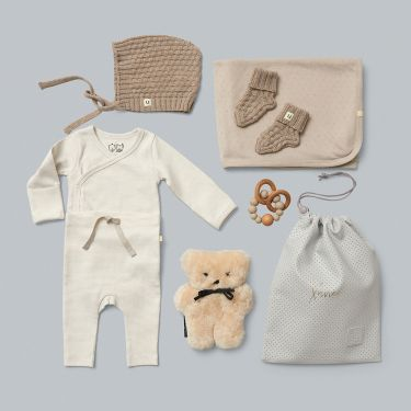 Wonderful Unisex Baby Shower Gift w Wilson and Frenchy Baby Clothes and accessories