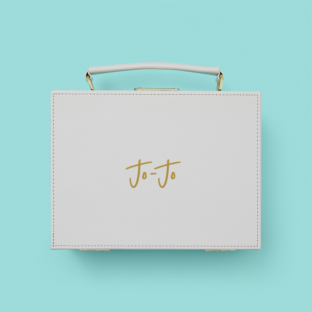 Monogramming. The only way to create an elevated gift hamper